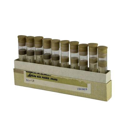 Silk sterile twisted fiber in a preservative solution of 10 tubes